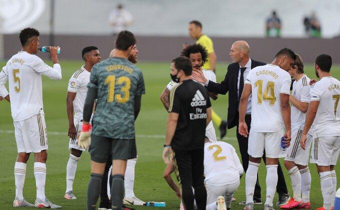 Da li je moguće? VAR opet pogurao Real Madrid?!