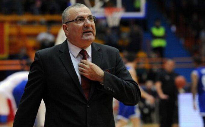 Novi poraz Armanija, Repeši se 'drma klupa'