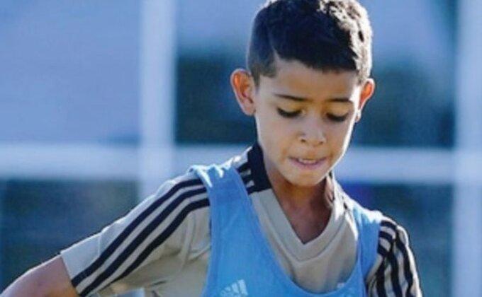 Ronaldo junior rešeta, tata slavi!