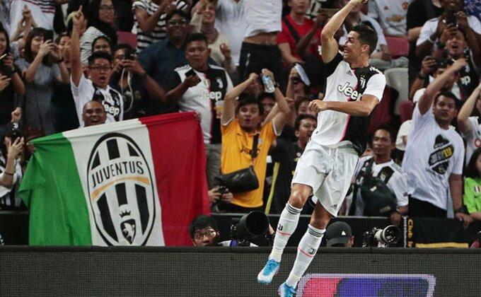 Ronaldova reakcija podelila javnost, zašto je skočio na policajca?