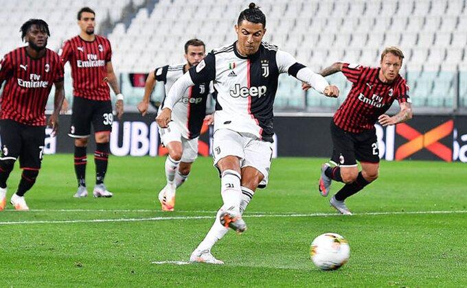 Ronaldo pogodio, a penal sumnjiv!
