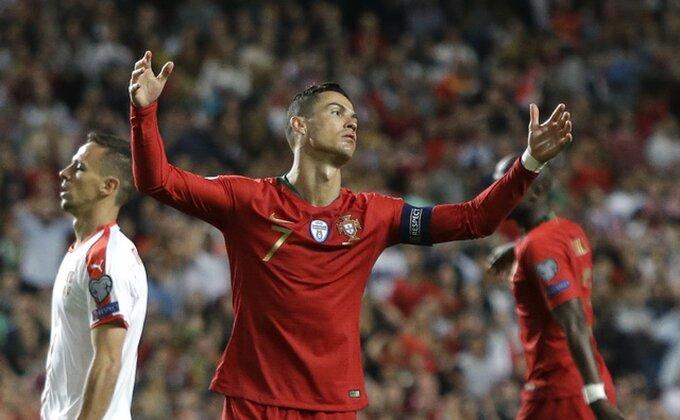 Navijač Portugala pokušao da napadne sudiju!