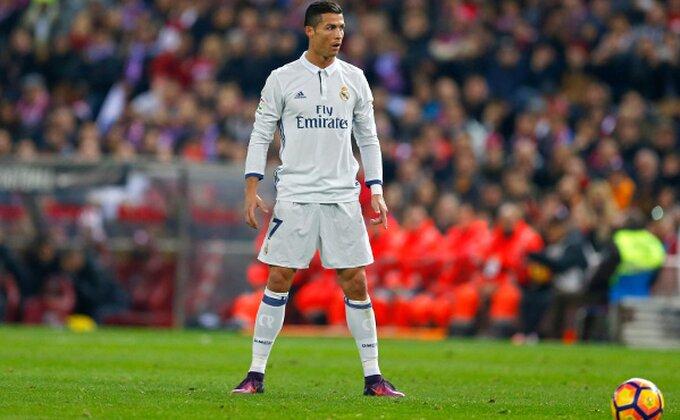 Ronaldo het-trikom utišao ''Visente Kalderon'', Real pobegao rivalima!