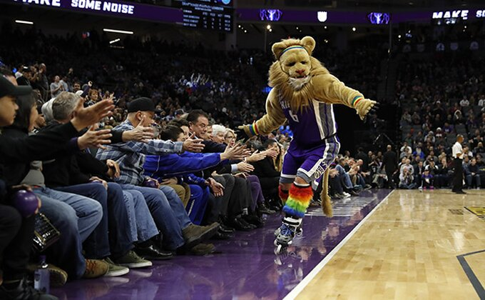 Košarkaš Sakramenta hteo da stavi kuću da će igrati plej-of, od tada igraju jako loše!