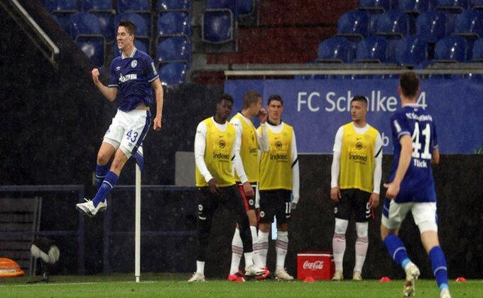 Bajern bez pobede na rekordu Levandovskog, Ajntraht ispušta Ligu šampiona