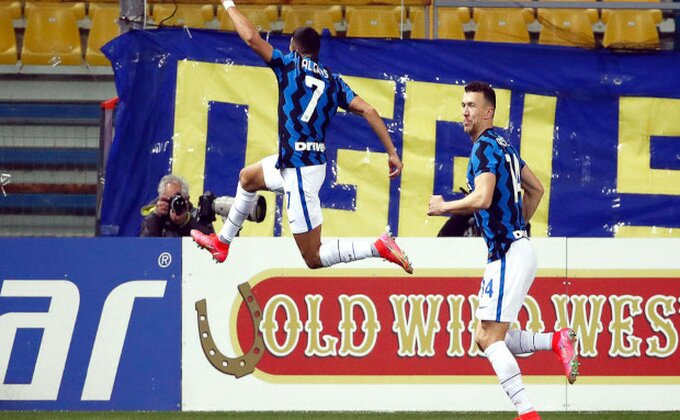 Inter se provukao pored hrabre Parme, Sančez za plus šest