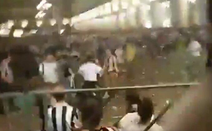 Panika u Torinu, navijači bežali nakon eksplozije!