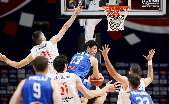 Poluvreme - Odbrana očajna, napad takođe, Srbija gubi od Italije (TVITOVI)