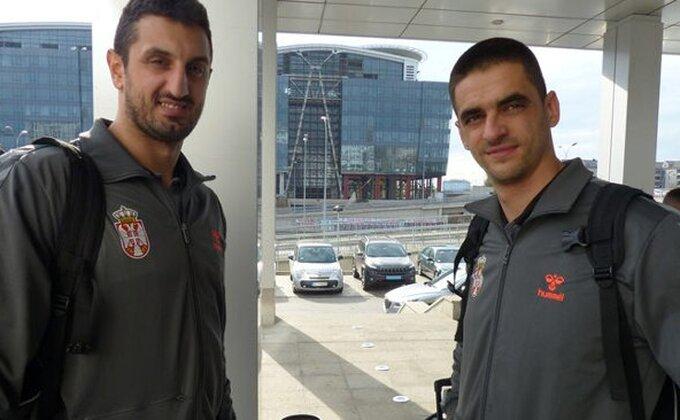 """Šešum ne poleće: """"Neće se Belorusi sami pobediti"""""""
