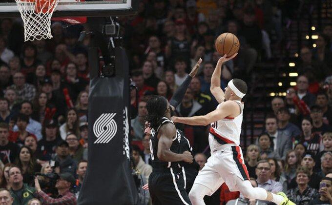 Veče Karijevih u NBA