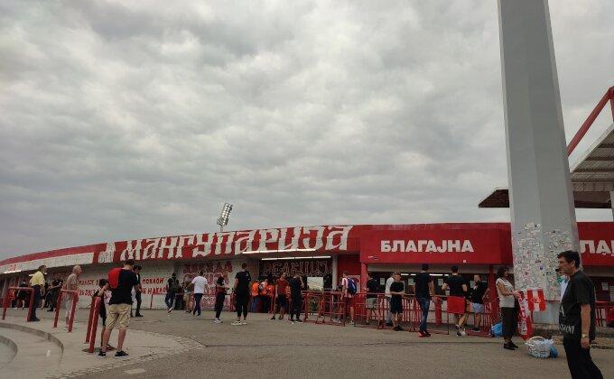 Sportske na Marakani - navijači Zvezde polako pristižu, najveća uzdanica? Jedno ime dominira!