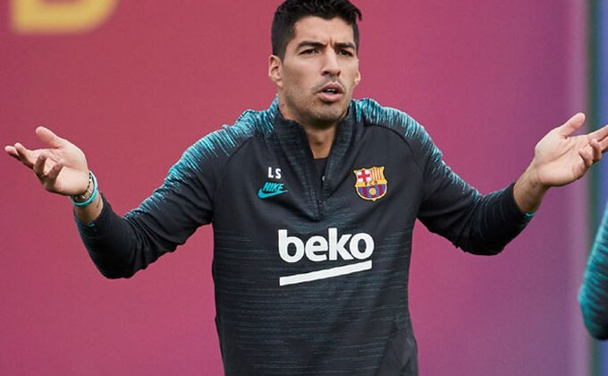 Od lošeg ka gorem, Suareza čeka pauza