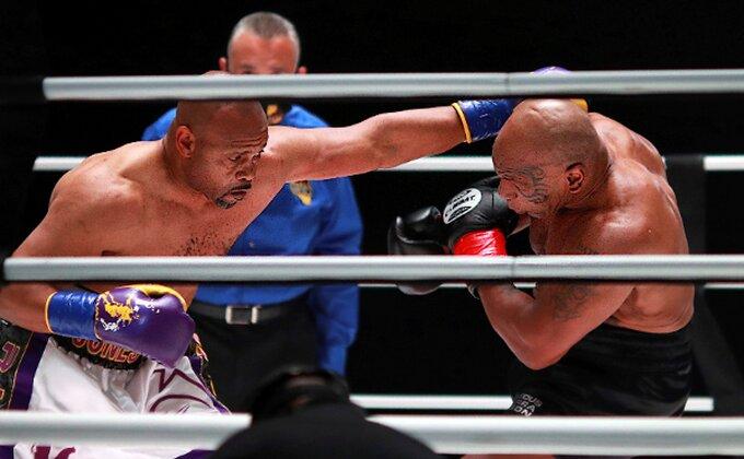 """Stara dobra vremena, evo kako je izgledao povratak u ring """"Gvozdenog"""" Majka Tajsona!"""