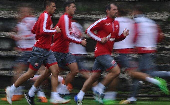 ''Prštalo'' na Zvezdinom treningu, padali evrogolovi, Borjan i Stanković na velikim iskušenjima