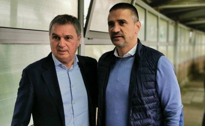 Koliko će trajati ubeđivanje Bate Mirkovića, ima li on uopšte želju da se bavi trenerskim poslom u Srbiji?