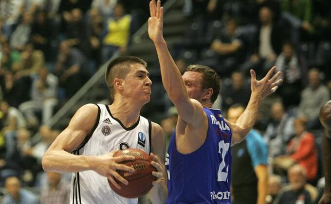 Partizan izgubio, Marinković briljirao