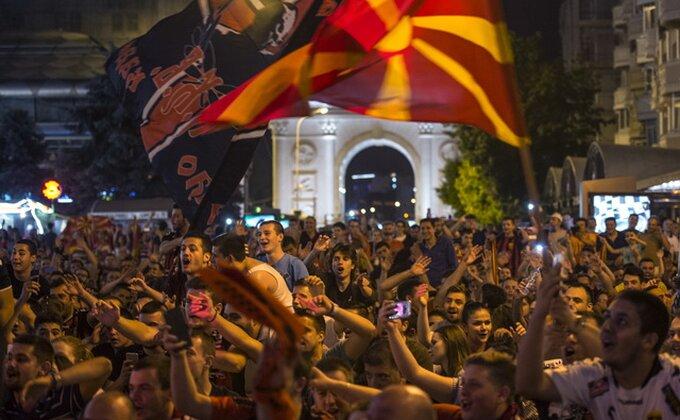 Euforija u Skoplju, hiljade navijača dočekalo šampione Evrope!