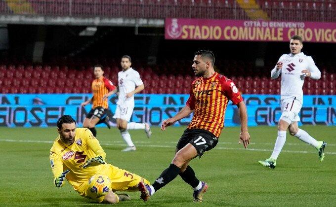 Serija A - Beneventu izmakla pobeda, Torino slavi Simonea Zazu!