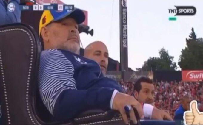 """Oglasio se Maradona - """"Danas slavimo!"""""""