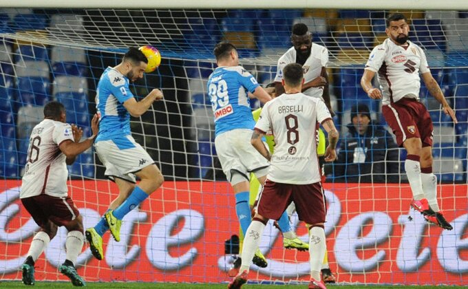 Novi problem za Napoli, napadač bi da ide, dve ponude na stolu!
