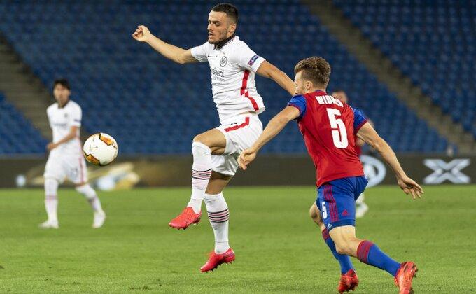 LE - Alenova glupost skupo koštala Olimpijakos, Nikolić sačuvao gol Bazela i eliminisao Kostića!