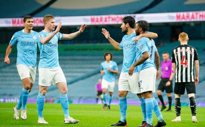 """PL - """"Svrake"""" nemoćne u Mančesteru, Gilfi doneo poklone Karletu i popeo Everton na drugo mesto!"""