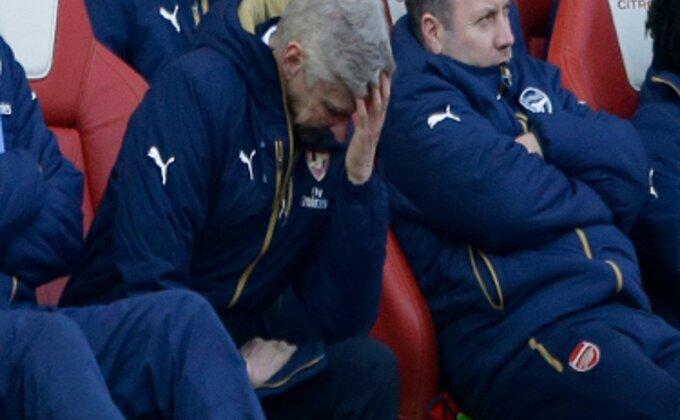 Arsen indirektno okrivio navijače za neuspelu sezonu