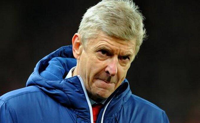 Šefild se igra fudbala sa Arsenalom!