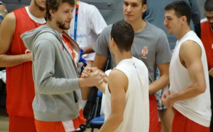 Braća u Partizanu postali, to su i do danas ostali - Veseli i Bogdan!