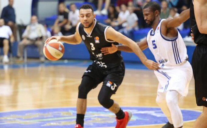 Partizan pobedom počeo crnogorsku turneju, u Ulcinju grmele pesme crno-belih