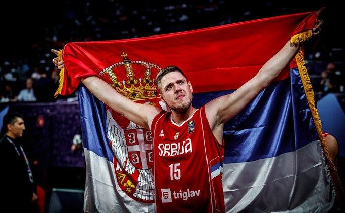 Ni mi nismo imali sumnju ko je najveći navijač košarkaške reprezentacije!