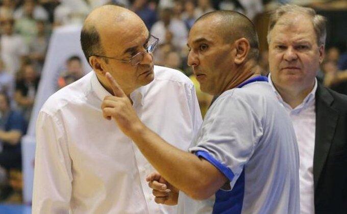 """Vujošević """"uleteo"""" na teren, Todorić morao da reaguje!"""