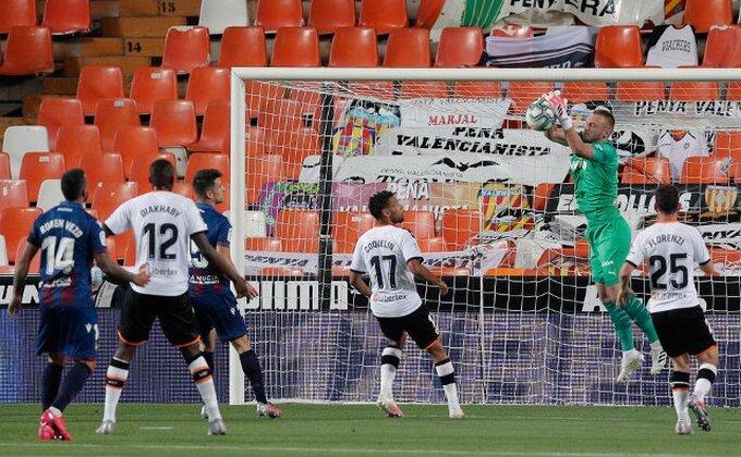 Bura u finišu, Valensija imala tri boda u džepu, sad je Liga šampiona sve dalje!