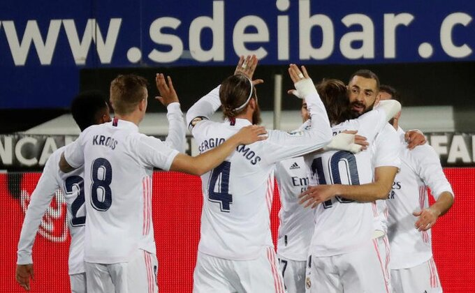 """Dmitrović nemoćan pred """"kraljem"""", Benzema pretekao Anrija!"""