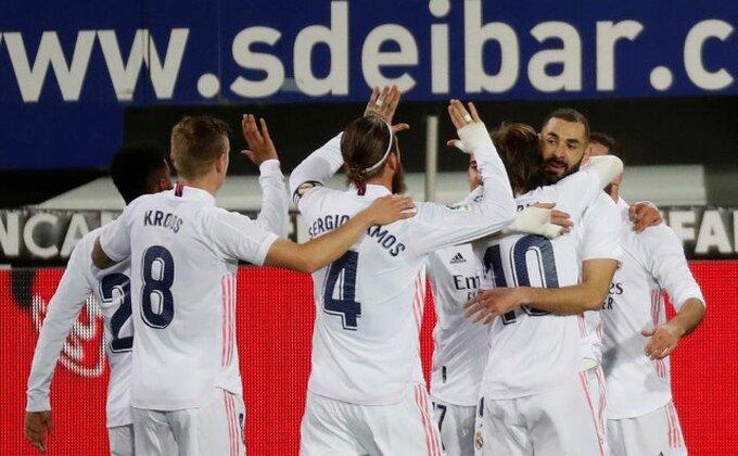 Užasne vesti iz Madrida, fudbaleri Reala satima bespomoćni u avionu!