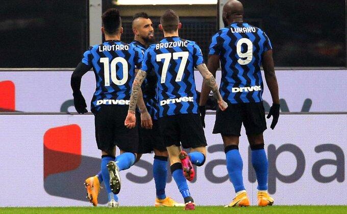 Poluvreme derbija - Inter drži lekciju Juventusu!