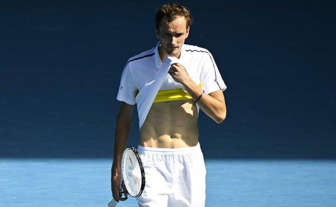 Čekaćemo još dugo da neko ugrozi Novaka na prvom mestu, Medvedev pozitivan!