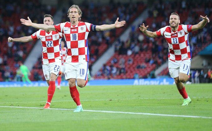 Hrvatska radi kad treba - Perišić i Modrić za osminu finala