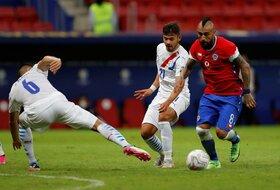 Paragvaj za prvi poraz Čilea, Kavani poslao Boliviju kući