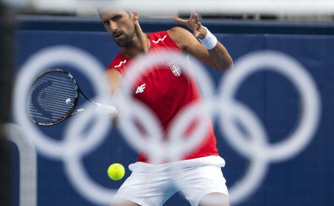 Novak se povukao sa Rodžers kupa