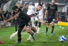 Crveni karton, gol i pad Torina za 15 minuta