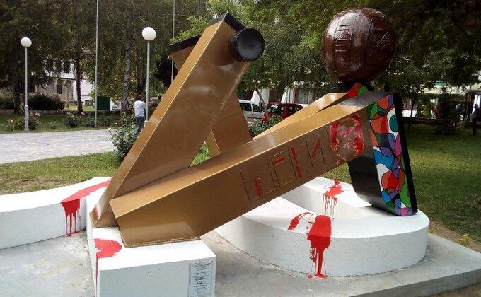 U Štipu podignut spomenik Dragoslavu Šekularcu