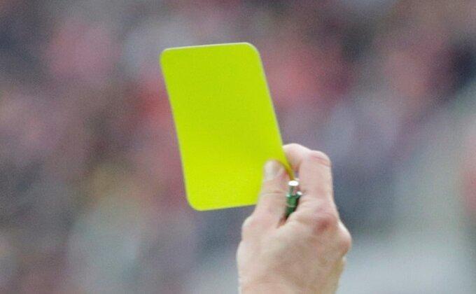 Sudija dobio žuti karton!